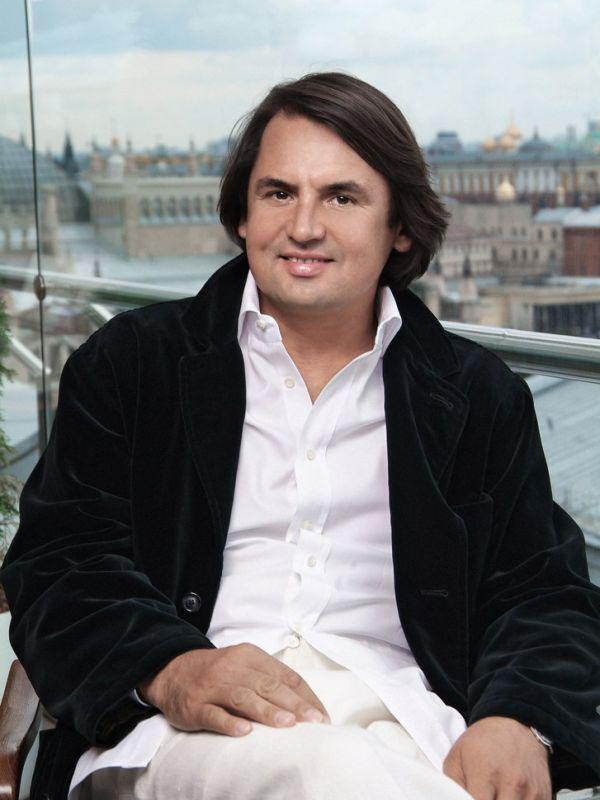 Тарико Рустам Васильевич