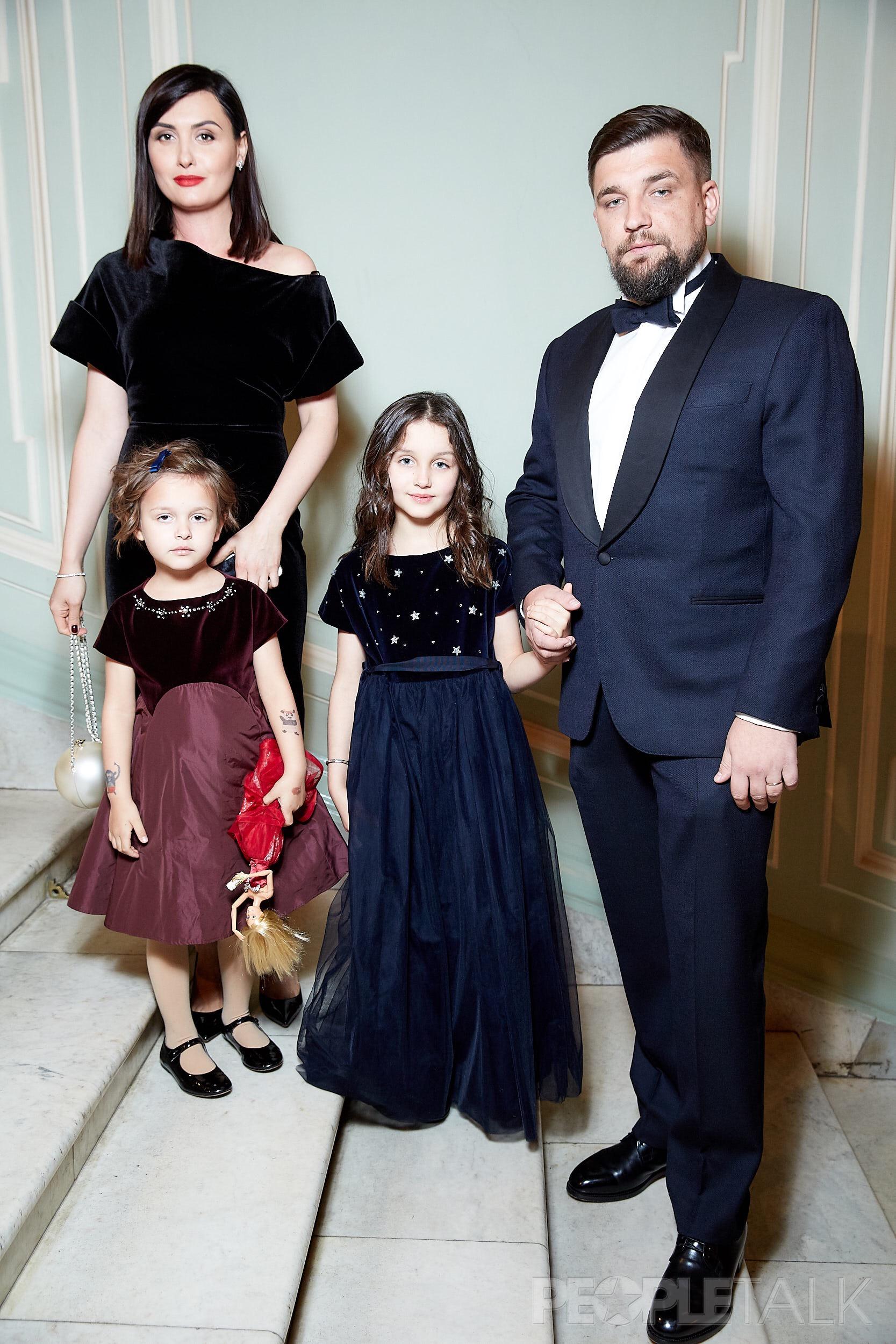 Баста с семьей: женой и детьми