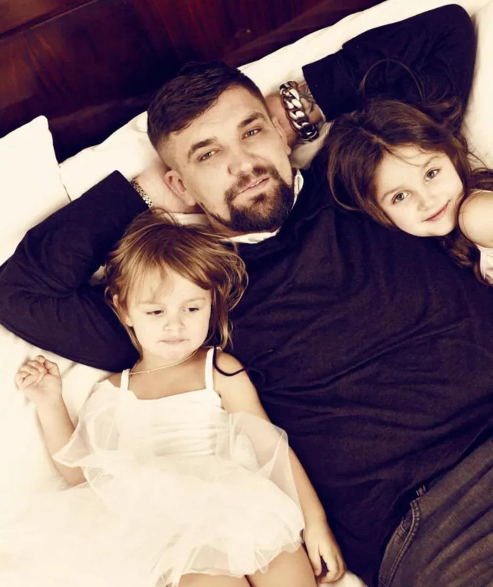 Баста с дочками