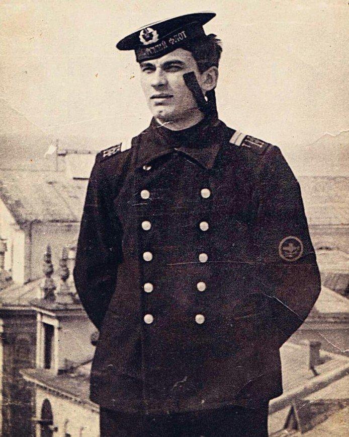 Александр Серов в армии