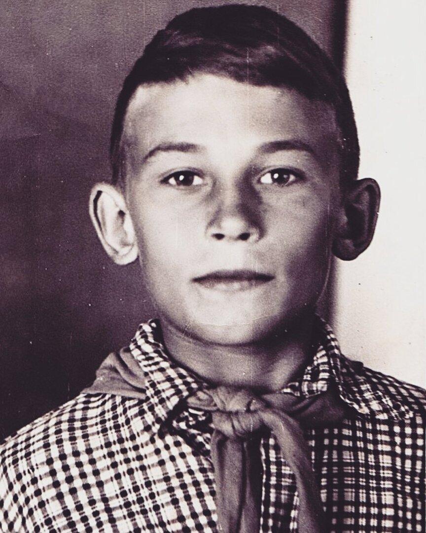 Александр Серов в молодости
