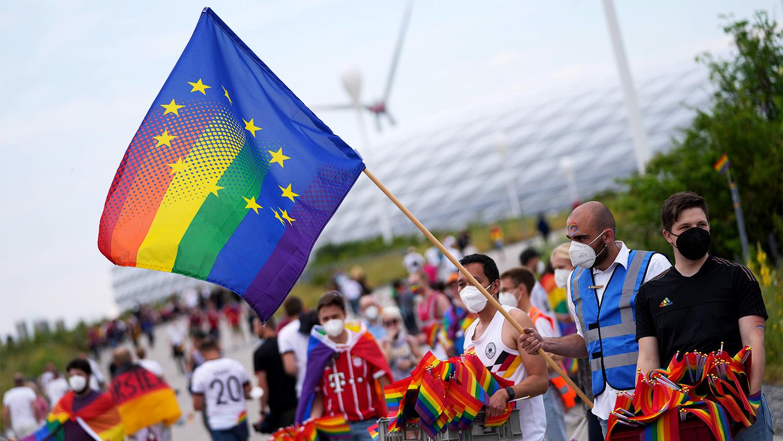 В Венгрии приняли закон о запрете ЛГБТ пропаганды среди детей