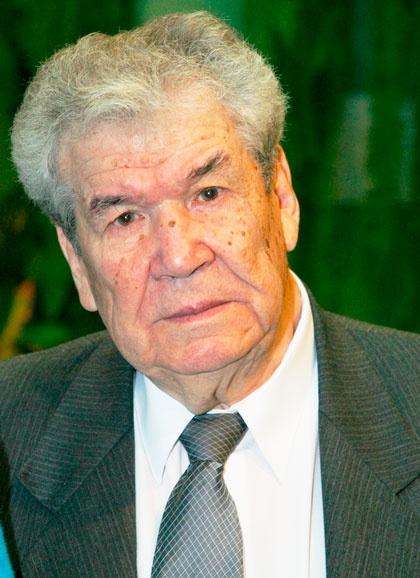 Мустай Карим